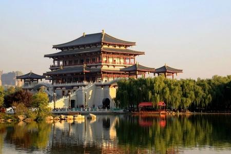 2011年1月17日,国家旅游局授予西安大雁塔—大唐芙蓉园景区国家5a