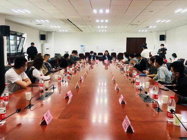 助力健康中国 联合创新扶贫