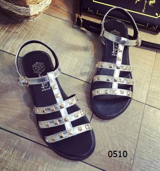 女鞋  58¥包邮韩版镂空沙滩鞋银色黑色尺码:35-39