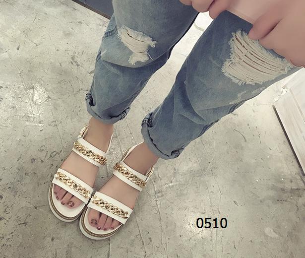 女鞋  63¥包邮松糕厚底凉鞋黑色白色尺码:35-39